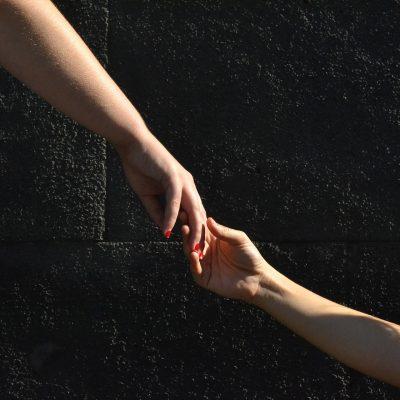 hands-1136697_1920